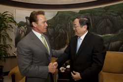 Governor Schwarzenegger meets with Shanghai CPC Secretary Yu Zhengsheng on Au...