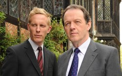 DS Hathaway (Laurence Fox) and DCS Lewis (Kevin Whately)