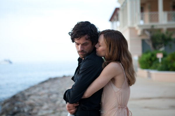 "Roman Duris and Vanessa Paradis star in ""Heartbreaker."""