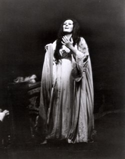 "Soprano Joan Sutherland in the San Diego Opera's 1974 production of ""Lucia di Lammermoor."""