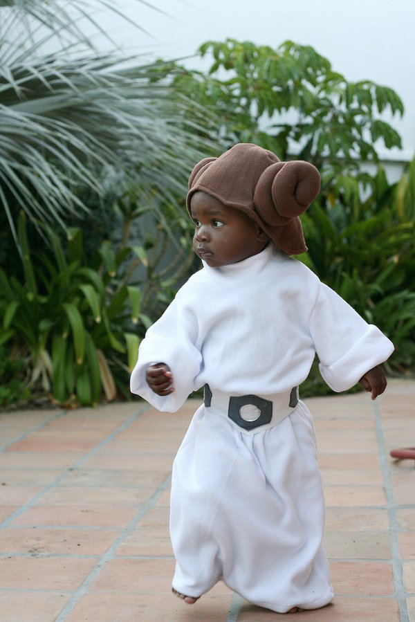 Ruby Belfer as Princess Leia. See Ruby's dad here and look for her mom in costume tomorrow. Full disclosure: I took this picture.