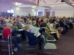 People for and against a proposal to expand Interstate 5 pack a public hearin...