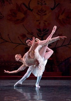 "Janica Smith and Gerardo Gil in the City Ballet of San Diego's 2005 production of ""The Nutcracker."""