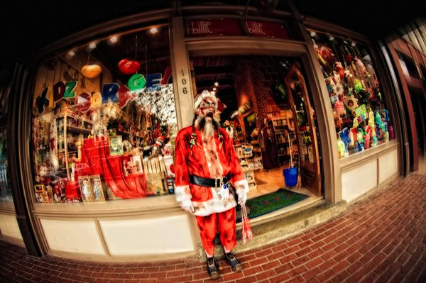 San Diego photog Mike Rollerson captures a rabid zombie Santa during the San Diego Zombiewalk, 2010.