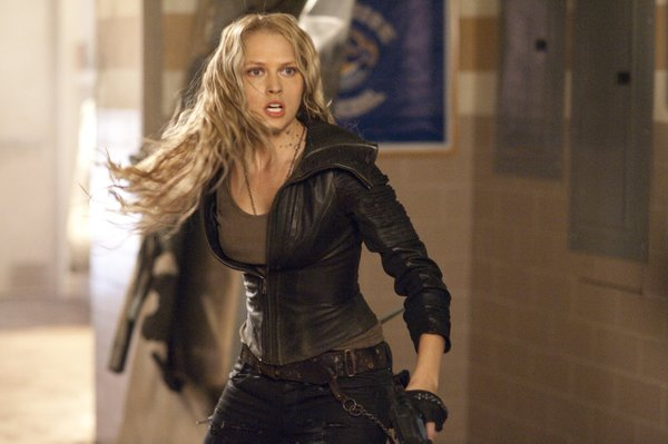 "Teresa Palmer is Number 6 in ""I Am Number Four."""