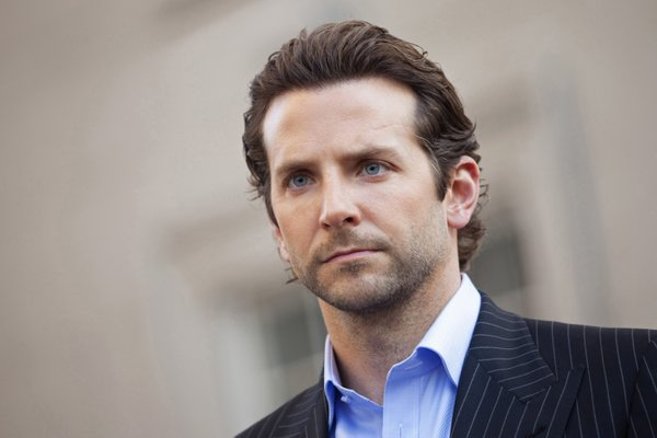 "Despite what it looks like in the ads, Bradley Cooper does not really show his abs in ""Limitless."""