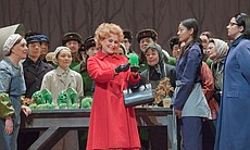 "Janis Kelly as Pat Nixon in Adams's ""Nixon In China."""