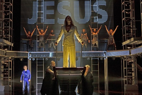 "Paul Nolan and the Stratford Shakespeare Festival cast of ""Jesus Christ Superstar."""