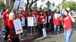 Union Pickets Kaiser Hospital In San Diego
