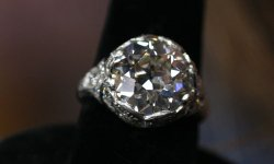 The owner of this old mine-cut diamond ring inherited the piece from her gran...