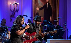 Shemekia Copeland, left, and Gary Clark Jr. per... (14508)