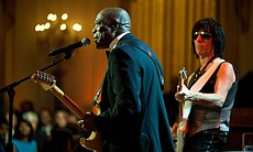 Buddy Guy, left, and Jeff Beck perform as Presi... (14510)