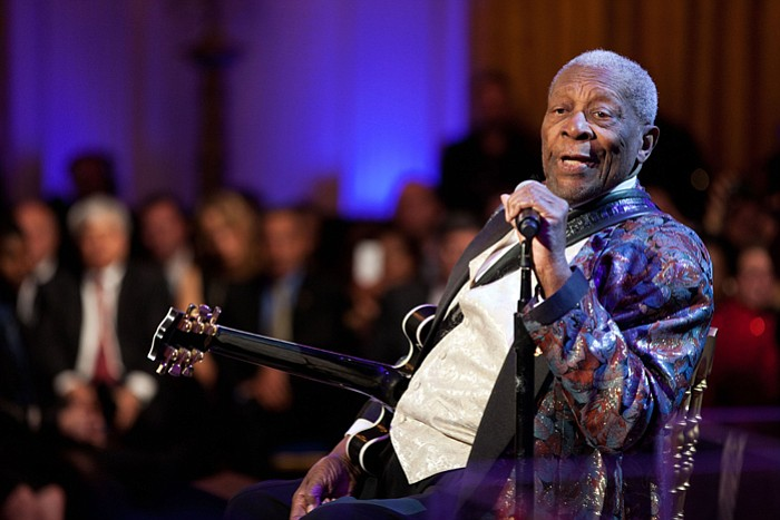 B.B. King performs as President Barack Obama an... ()