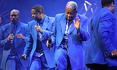 This historic reunion of classic recording artists of the decade includes the Manhattans.