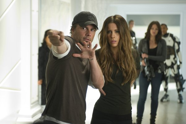 Len Wiseman doing the only thing he really does well, directing his wife Kate Beckinsale in action scenes.