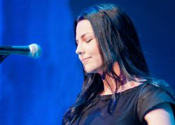 "Amy Lee performs ""I'm So Lonesome"" in this concert that celebrates the legacy..."