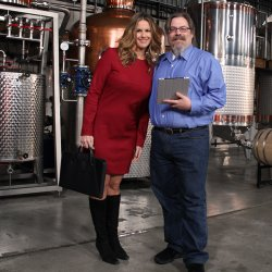 HISTORY DETECTIVES host Elyse Luray and Liquor Historian David Wondrich inves...