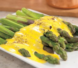 Martha Steart demonstrates two different methods for preparing hollandaise sa...