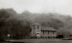 The huge Black Sunday storm - the worst storm of the decade-long Dust Bowl in...