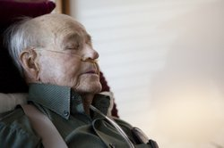 Eighty-nine year old LC Sallis has stage four congestive heart failure.  He p...