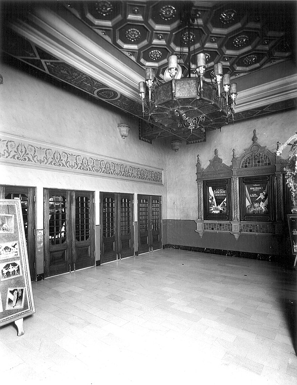 The entrance to the California Theatre in 1929. The movie...