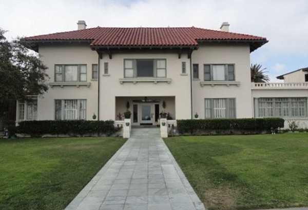 The Spreckels mansion as it appeared in July 2011; a repr...