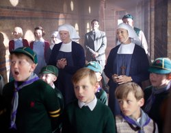L-R: Bryony Hannah as Cynthia Miller, Jessica Raine as Jenny Lee, Laura Main as Sister Bernadette, Judy Parfitt as Sister Monica Joan, Stephen McGann as Dr Turner, Jenny Agutter as Sister Julienne, Cliff Parisi as Fred, with cub scouts in the foreground.