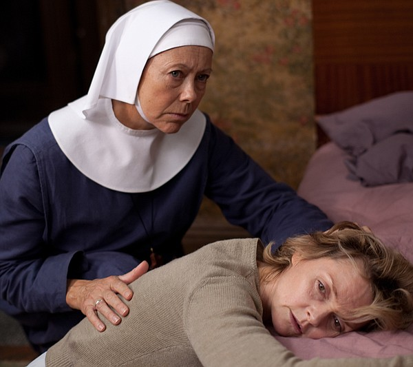 Jenny Agutter as Sister Julienne and Sharon Small as Nora Harding.