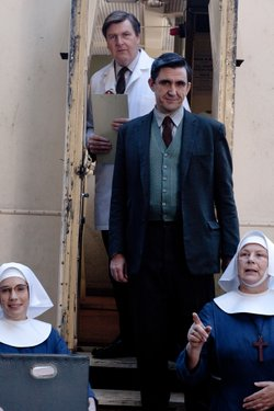 L-R: Laura Main as Sister Bernadette, Robin Cameron as Dr. McGuinness (top), Stephen McGann as Dr. Turner, Pam Ferris as Sister Evangelina.