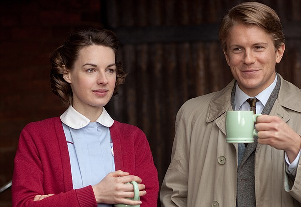 Jessica Raine as Jenny Lee and George Rainsford as Jimmy.