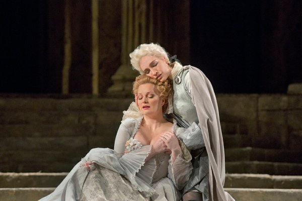 Lucy Crowe as Servilia and Kate Lindsey as Annino in Mozart's