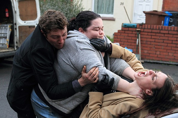 DC Kevin Lumb tries to save Rachel from being strangled by Nadia (Lisa Riley).