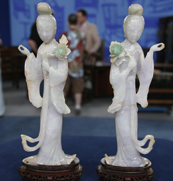 A pair of Chinese jadeite maidens.