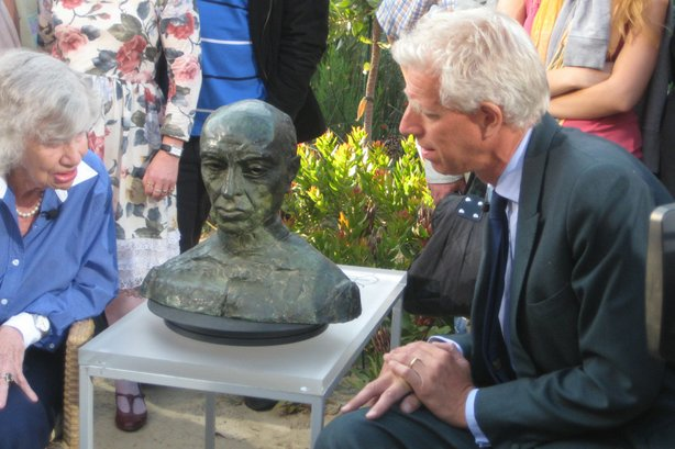 Rupert Maas (right) is fascinated by a bust of Nehru by Jacob Epstein.