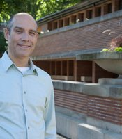 Host Geoffrey Baer at Frank Lloyd Wright's prairie style Robie House in Chicago.