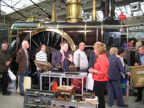 Hilary Kay talks to a collector of steam engines.
