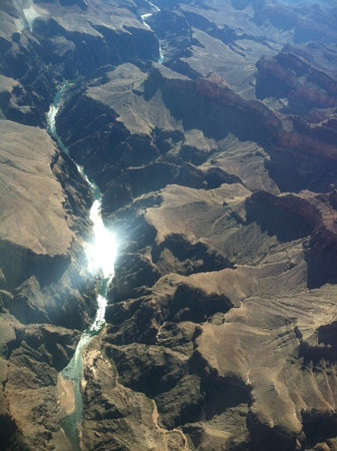 Planes pass over the Grand Canyon through the Dragon Corr...