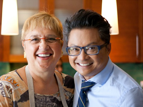 Filipino-American actor/comedian Alec Mapa joins host and chef Lidia Bastiani...