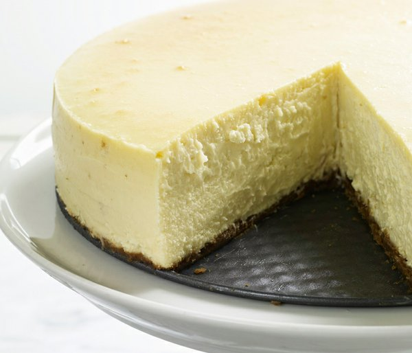 Martha creates a feast of cheesecakes in a range of sizes and flavors and tea...