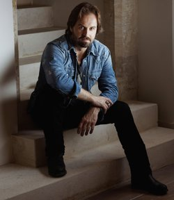 "Tony-Award winner and UK platinum-selling Alfie Boe brings his second television concert special to PBS, featuring songs from ""Storyteller,"" his latest critically acclaimed album."