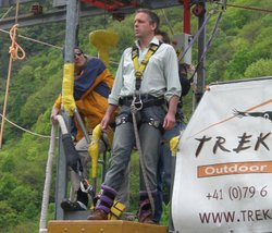 Presenter Michael Mosley gets ready to bungee jump from the Verzasca Dam, Switzerland. At 220m high it is the biggest bungee jump in Europe. Michael wants to see if he can overcome his fears and find the bungee jump pleasurable.