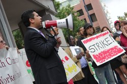 Councilman David Alvarez calls to increase wages for employees at fast food r...