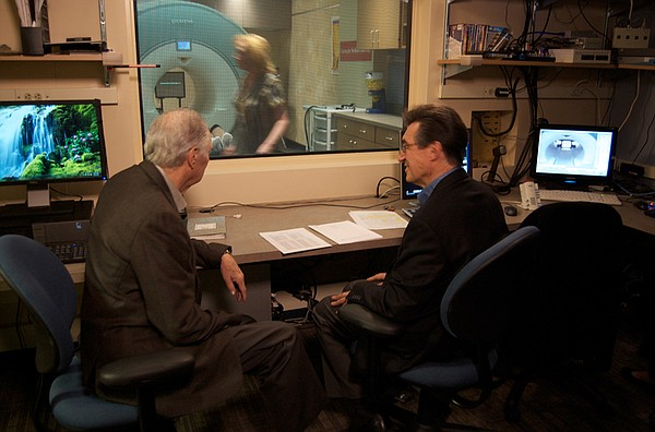 Alan Alda meets with Dr. Marcel Just to see if fMRI scans...