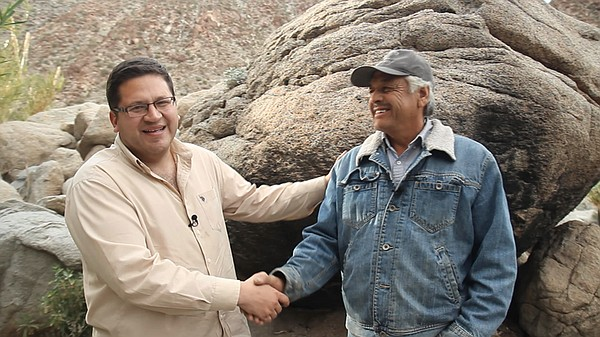 Host Jorge Meraz meets Ernesto Loya, the owner of a dessert oasis called Caño...