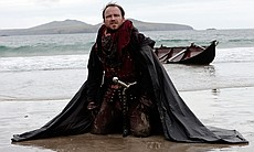 Rory Kinnear as Henry Bolingbroke in THE HOLLOW...