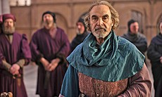 David Suchet plays the Duke of York in THE HOLL...