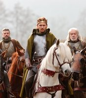 "Paterson Joseph as Duke of York, Richard Clothier as Salisbury, Tom Hiddleston as Henry V, James Laurenson as Westmoreland in THE HOLLOW CROWN ""Henry V."""