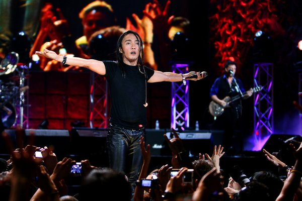 Arnel Pineda performs with Journey in Manila, in the film...
