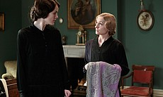 Michelle Dockery as Lady Mary, Joanne Froggatt ... (32404)