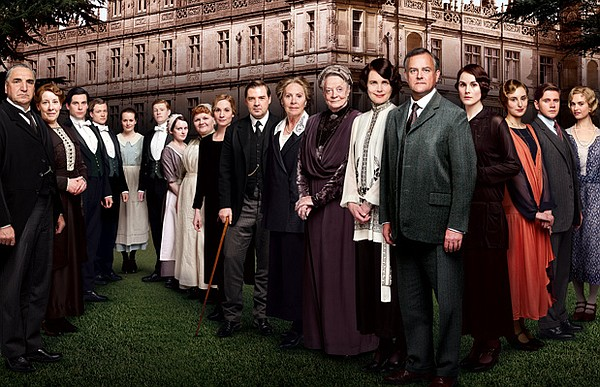 The cast of DOWNTON ABBEY. Season 4 of the international ...